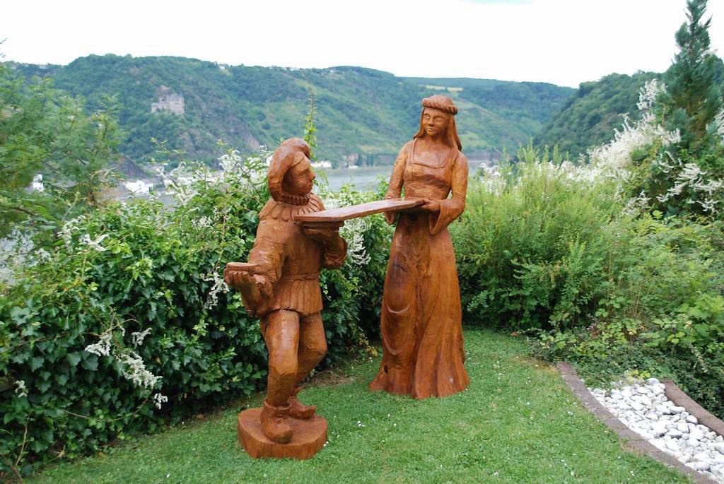 Hofnarr und Burgfräulein